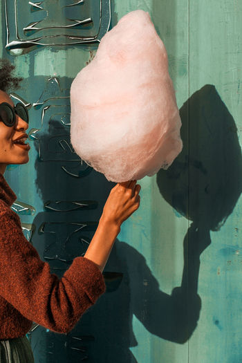 Friends Cotton Cotton Candy Cottoncandy Cottoncandyclouds The Week On EyeEm Food And Drink Girl Smiling Holding Human Hand Ice Cream Pink Cotton Candy Real People Sweet Sweet Food Unhealthy Eating Rethink Things Food Stories