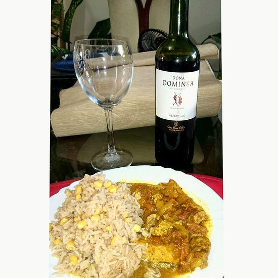 Cerdo Estilo Independencia con Arroz con Maiz, mariadado con Doña Dominga Comida Casera Vino Food Wine EatingComidaEspañola Vino Tinto Mediterranean Food Red Wine Comida