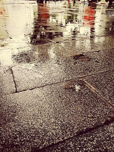 雨后青石路