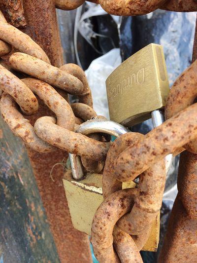 Cadenas y candados Metal Close-up Chain Outdoors Connection No People Day Attached Lock Cadenas Candados