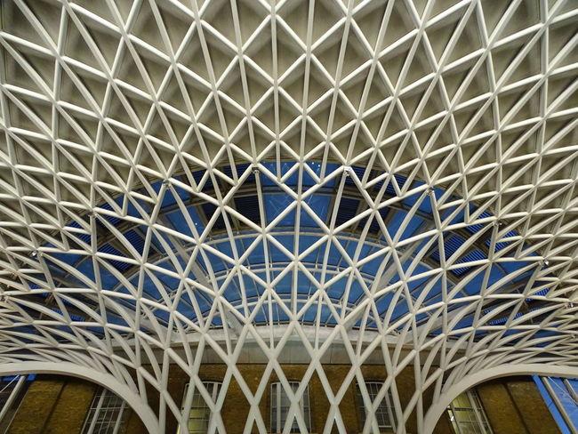 Built Structure Architecture Full Frame Low Angle View Pattern Architectural Design Architecture And Art Londres London Saint Pancras King Cross S.pancras Train Station Hub Close-up