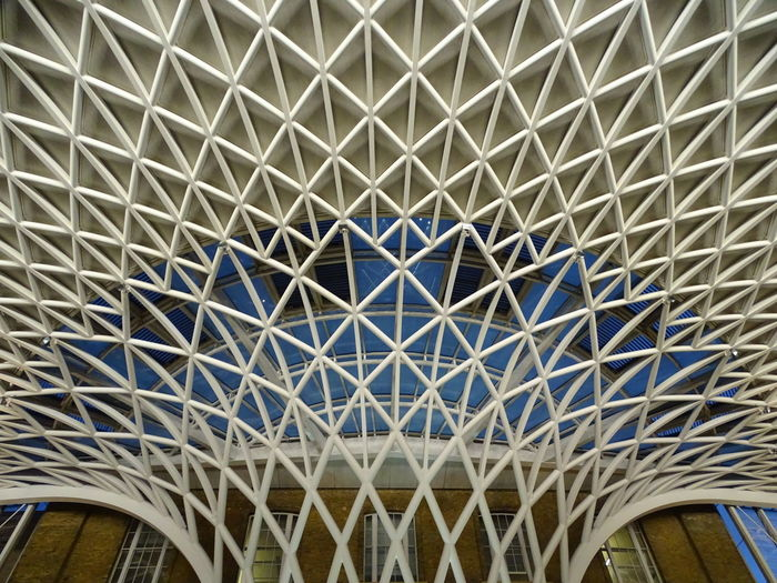 Built Structure Architecture Full Frame Low Angle View Pattern Architectural Design Architecture And Art Londres London Saint Pancras King Cross S.pancras Train Station Hub Close-up