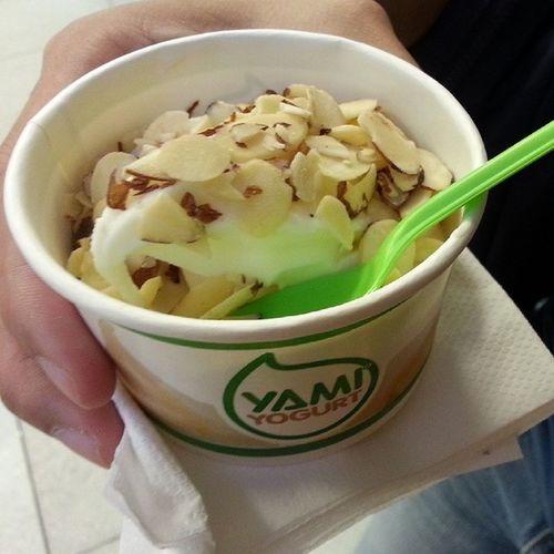 Our dessert for the night hehe @jyangsaw Yamiyogurt YumYum