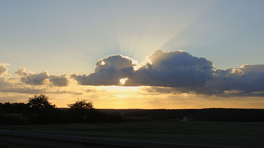 Beauty In Nature Dawn No People Outdoors Silhouette Sky Sky And Clouds Skyphotography Skyporn Sun Sunbeam Sunset