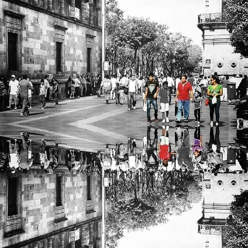 ◾Hey! Look at the floor! ◾ Mobile_photographer Awesomesplash Bnw_rome_splash Bws_coloursplash colorsplash_bu colorsplash colorsplashturkey colorsplash_of_our_world colorsplash_kings colorsplash_mx coloursplash_legends coloursplash_everything gf_mexico ig_mexico igersguadalajara splashawards splendid_colorsplash splashiran splashcolor_madrid rsa_bnw_colorsplash tgif_colorsplash