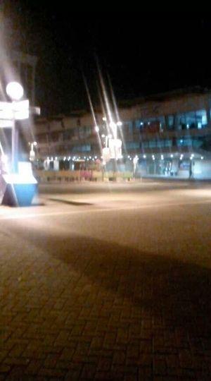 凌晨四點多的高雄火車站,亮著燈是要給來往的旅客和歸鄉的遊子留盞溫暖的燈光!! Kaohsiung, Taiwan Good Morning...kaohsiung Station