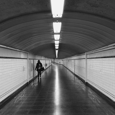 An exit is needed. CaminandoMadrid MetroMadrid