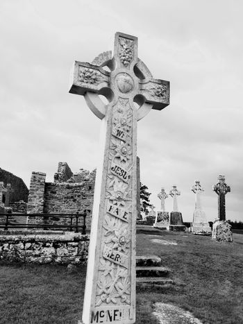 Ireland🍀 Celtic Celtic Cross Clonmacnoise Travel Black & White Being A Tourist
