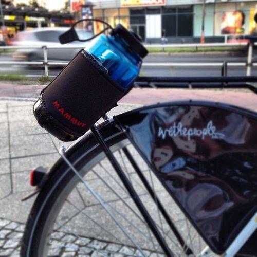 A #mammut on a #bike :) Mammut Instagramers Instanature Igersberlin Street Berlinstagram Berlin City Nalgene Streetart Wethepeople Outside Holder Bottle Bike Iphoneonly Iphonesia Outdoor Bestoftheday