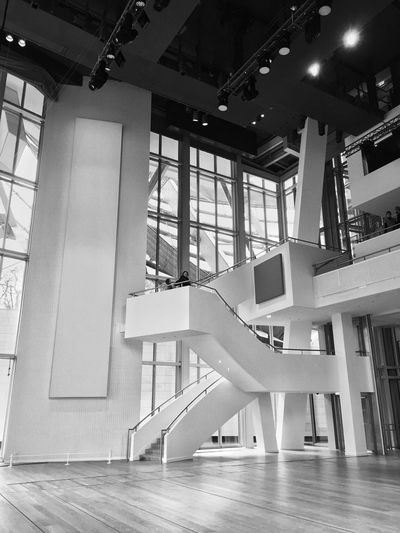 Bnw_stairways Bnw_friday_eyeemchallenge Blackandwhite Photography Bnw_life Bnw_captures Bnw Photography Architecture Built Structure Indoors  Staircase No People Window Steps And Staircases