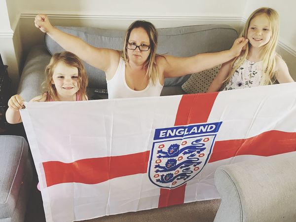 Patriotism for your country Football Flag Flag England Real People Group Of People Lifestyles Women Front View Indoors  World Cup 2018 People Portrait Leisure Activity Emotion Young Women Happiness Smiling Human Arm Young Adult Females Adult Looking At Camera Casual Clothing Girls
