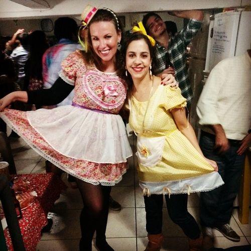 Eu, minha comadre Aline e o Lucas. :-D Lapahostel ArraiHostel Anarriê Riodejaneiro brazil travel travelers