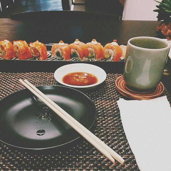 Sushi Salmon Salmonrolls Californiaroll Avocado Japanese Food Hottea Foodporn Wasabi Bangkok