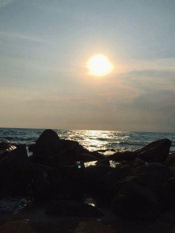 Sea Sunset #sun #clouds #skylovers #sky #nature #beautifulinnature #naturalbeauty #photography #landscape Sky Nature Sea And Sky Sunset Thailand_allshots Thai Thailand Photos Beach Skyline Sunrise_sunsets_aroundworld Thailand🇹🇭 Thailand Beach