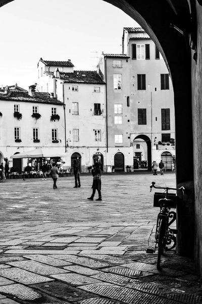 Scorci Blackandwhite Blackandwhite Photography Black And White Lucca City Cityscapes Bike Nikonphotography Piazza Centro Storico Likeforlike Followme Check This Out Hanging Out Taking Photos Enjoying Life Relaxing