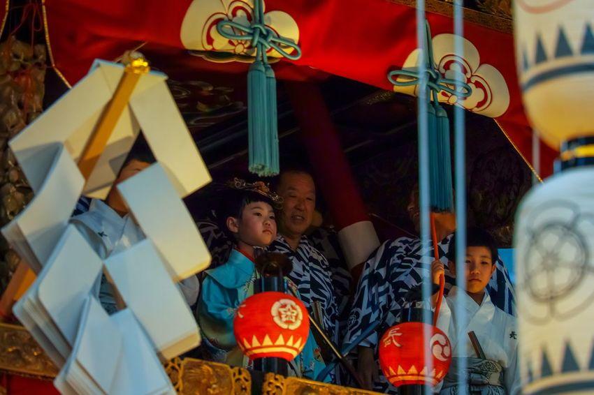 京都祇園祭宵山・長刀鉾 Kyoto Gion Festival Gion Matsuri Yamahoko Floats Taking Photos EyeEm Best Shots Eye4photography  From My Point Of View The Week on EyeEm Childhood Leisure Activity Men Boys Child Males  People