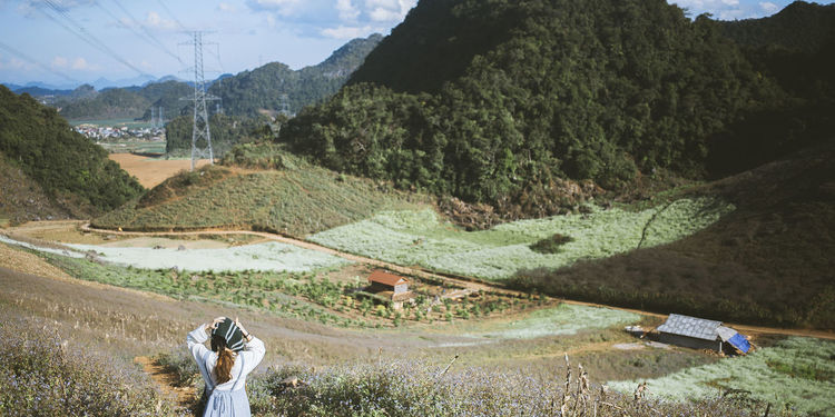 Climbing to Pa Phach Village, Moc Chau, Son La, Viet Nam Beauty In Nature Day Green Color Highlands Hustle Mocchau Mocchauvietnam Mountain Mountain View Mountains Nature Outdoors Travel Trip Viet Nam Vietnam Vietnamesegirl Village Village View Việt Nam! EyeEmNewHere Miles Away