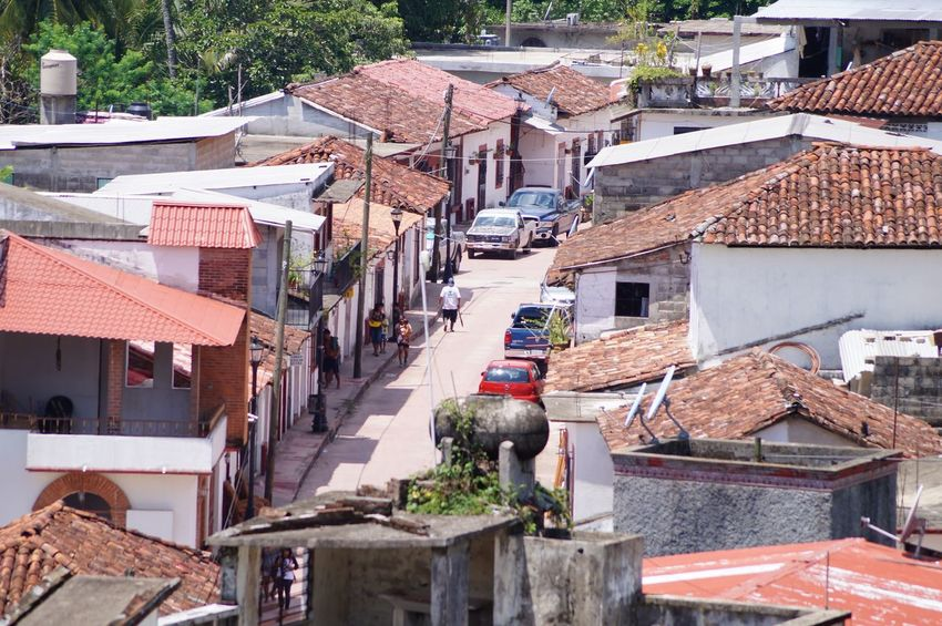 #pueblomagico #tapijulapa #travelling Architecture Building Exterior Built Structure Day Outdoors Roof