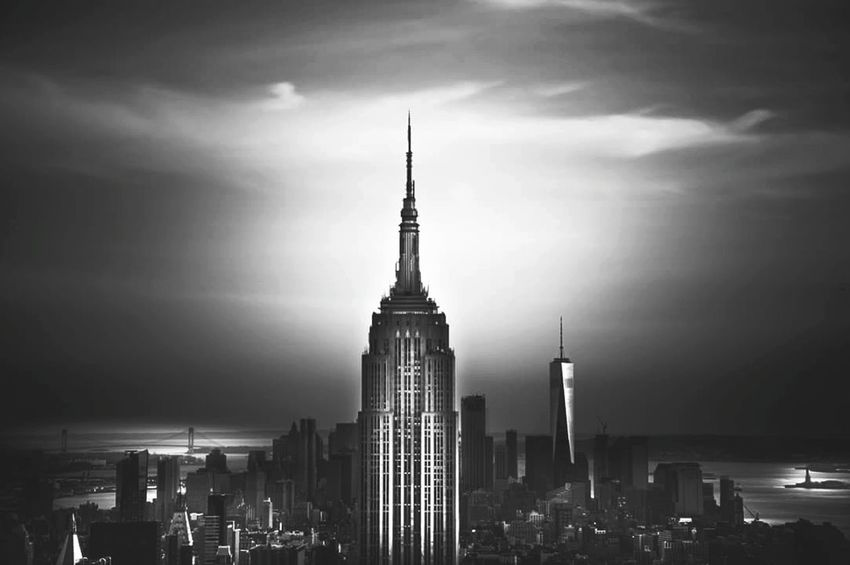 New York New York City Manhattan EyeEm Best Shots Black & White Black And White Monochrome Built Structure Travel Destinations Urban Skyline No People The Graphic City