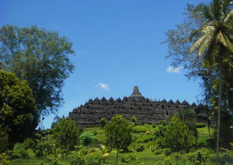 Candi Borobudur Indonesian Traveller Travel Destinations Architecture Ancient Civilization Religion Tree History No People Outdoors Day Sky Beauty In Nature Tree
