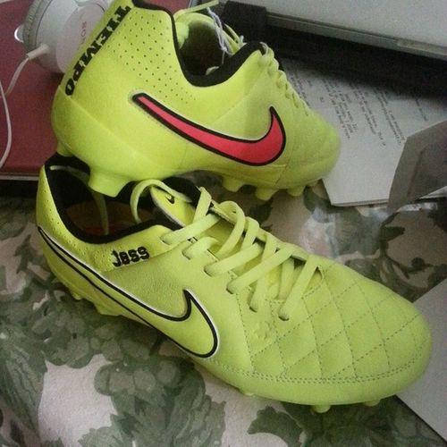 Got my new boots in can wait to play in them ! Happycamper FutbolEsVida