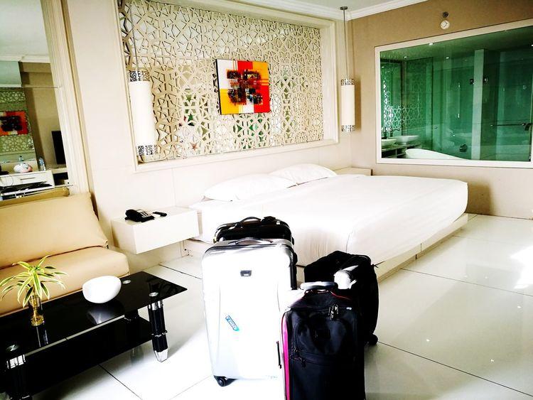 Hotel Hotel Room Hotellife Creative All White Interior Design Interior Style Interior Detail Tumi Tumitravel Follow Followme Followforfollow POTD