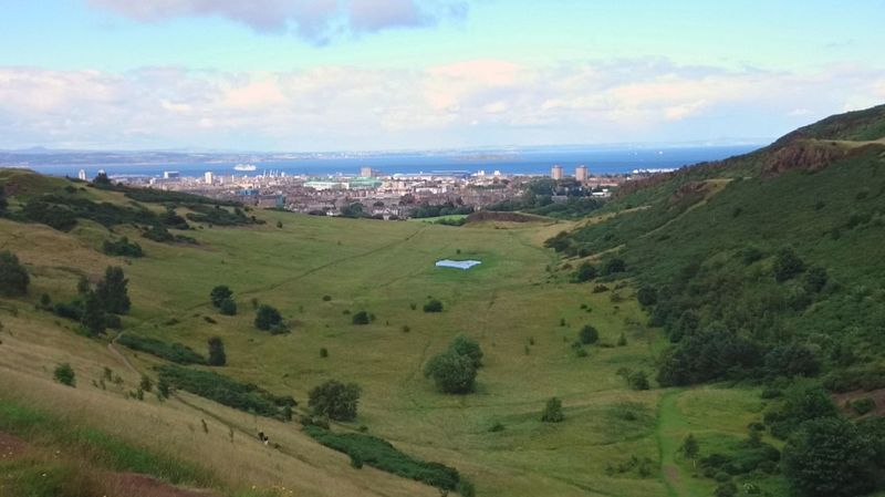 The valley below. Mountain View Hills And Valleys Valley View View From Above Edinburgh Green Hills Green Valley Landscapes Seascape Photography Seaview Travelling My Year My View Valley And Sea The Great Outdoors - 2017 EyeEm Awards The Week On EyeEm Been There. Lost In The Landscape