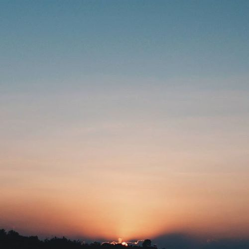 Alhamdulillah for the day 😊 . . . . . . Mindtheminimal Minimalparadise Minimalismindonesia Ig_minimalist Minimalmood Minimalmood Instagram Instasunda Instaminimal Mindtheminimal Minimalmood Rsa_minimal Minimalmind Minimalexperience Heavenofminimal Minimalismindonesia Minimalist Soulminimalist Paradiseofminimal Tv_simplicity Sunset Goldenhour