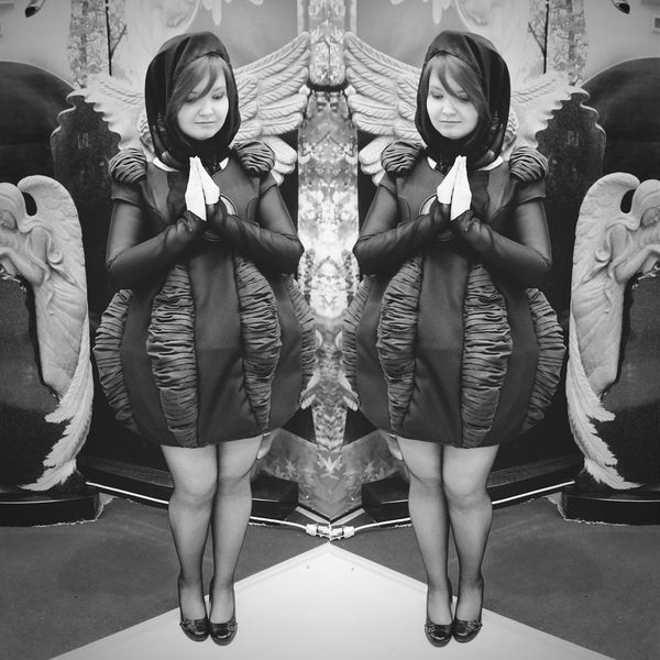 EyeEm Gallery EyeEm Best Shots Eyem Best Shots - Black + White EyeEm Best Edits Mirrored Praying Fashion&love&beauty Hanging Out At The Funeral The Fashionist - 2015 EyeEm Awards