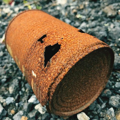 Close-up Selective Focus Focus On Foreground Weathered Extreme Close-up Man Made Object Outdoors Day Rusted Can Old Can Oxidised Rusted Object Badly Rusted Corroded Metal Corroded Metal Can Roadside Trash Rubbish Müll Verrostete Dose No People Colors And Patterns