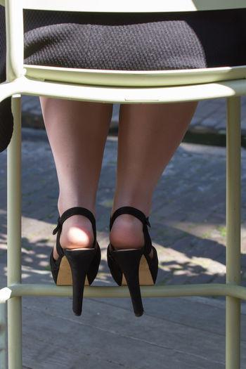High Heels Stilettos Stiletto Heels Heels Heelsobsession Heelslover Heels For The Ladies Heelies Heeledshoes Heelie Heel Streetphotography Street Photography Street Party Party Time! Shoes ♥ Shoes Shoe