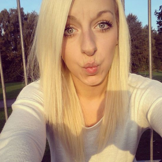 I Love My Lips  Kisses . ♥ Blonde Hair Dnt Care !!