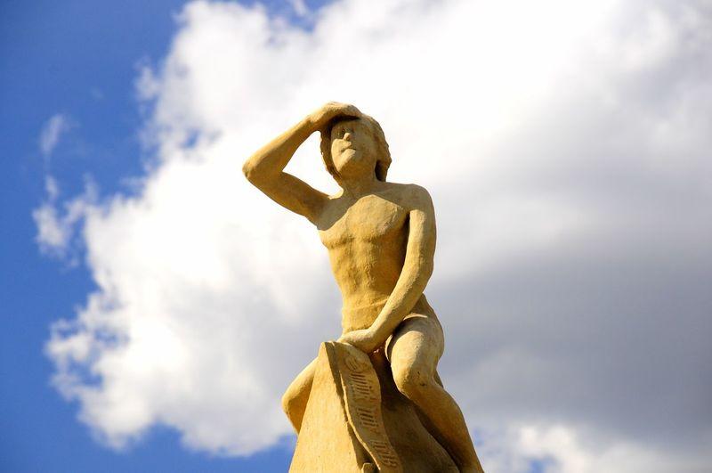Search Searching Suche Suchen  Ausschau Halten Public Art Ausblick Weitblick Fernweh Skulptur Sculpture Blick View Ferne Fernblick Figur Statue Sculpture Blue Sky Cloud - Sky A New Beginning