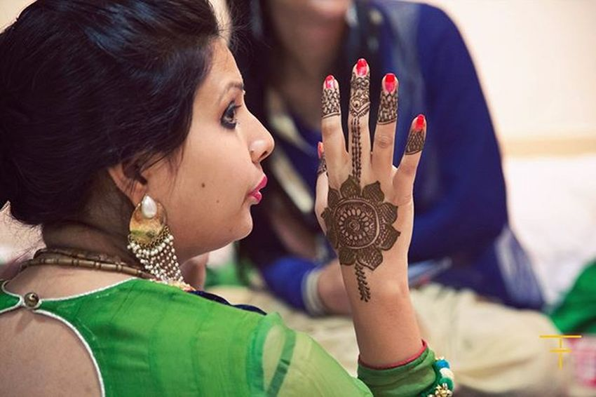 Hena tattoo is a traditional part in Indian weddings. Weddingbells Weddingseason Jaipur Indianweddings Weddingphotography Wedding Weddingpotraits Potrait Weddingfun Canon Canonlovers Canonme Thoughtframes Photooftheday Bestoftheday Canon5D Canon5dmarkiii Beautiful Beauty Henatattoo