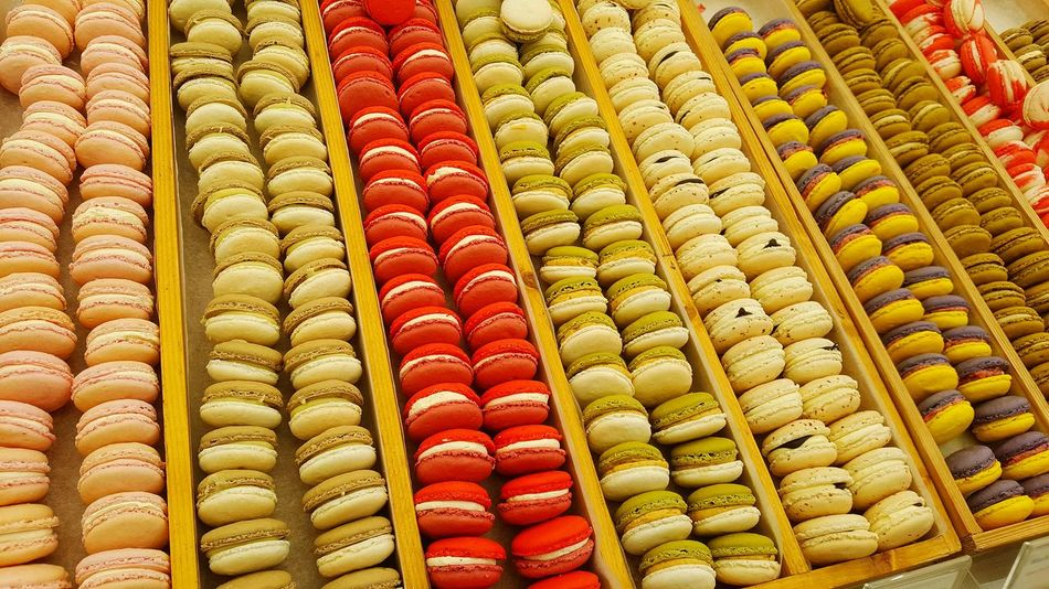 Macaron Macarons Macaroons Colourful Repetition Cakes Desserts Yum Food Sweet Colour Of Life Thecolorofbusiness