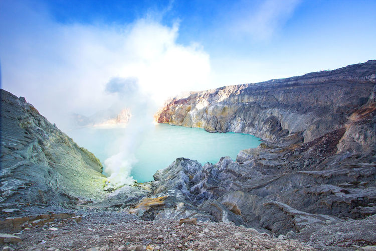 Ijen crater,
