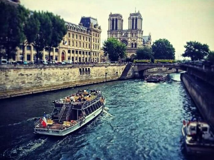 Day Leicap9 Leicaphotography Photo Of The Day Photooftheday France 🇫🇷 Leicaphotos Photography ♥ Huaweip9photos Photography Photoshoot Paris ❤ France🇫🇷 PontPhoto♡ River Seine River Seine Notre Dame De Paris Photo