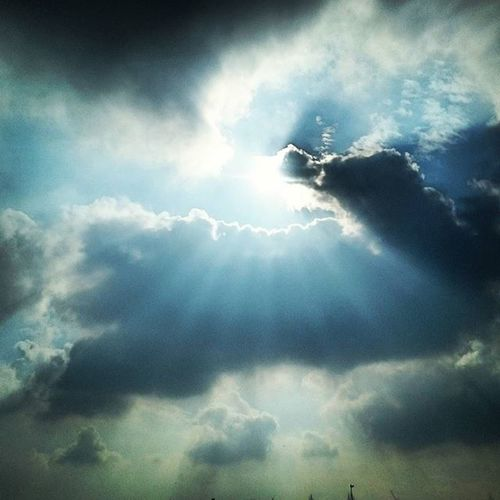 Clouds Beauty Nature Justamoment Instamoment Instagram Instaworld Darkclouds Sunshine