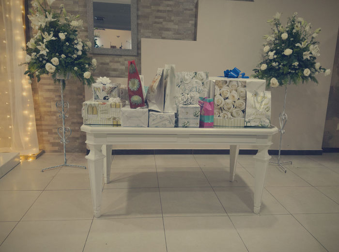 Wedding Photography Gifs Table
