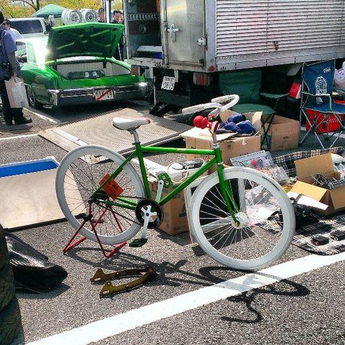 getbuys swap meet selling a bicycle Piste Pistebike