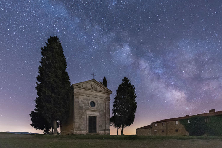 "The milky way over ""Madonna di Vitaleta"" chapel Adventure Architecture Chapel Exploring EyeEm Best Shots EyeEm Gallery EyeEm Nature Lover EyeEmNewHere Landscape Landscape_Collection Milky Way Night Nightphotography Nikon Outdoors Sky The Great Outdoors - 2017 EyeEm Awards Tranquil Scene Tranquility Travel Travel Destinations Traveling Tree Tuscany Tuscany Countryside Fresh On Market 2017"