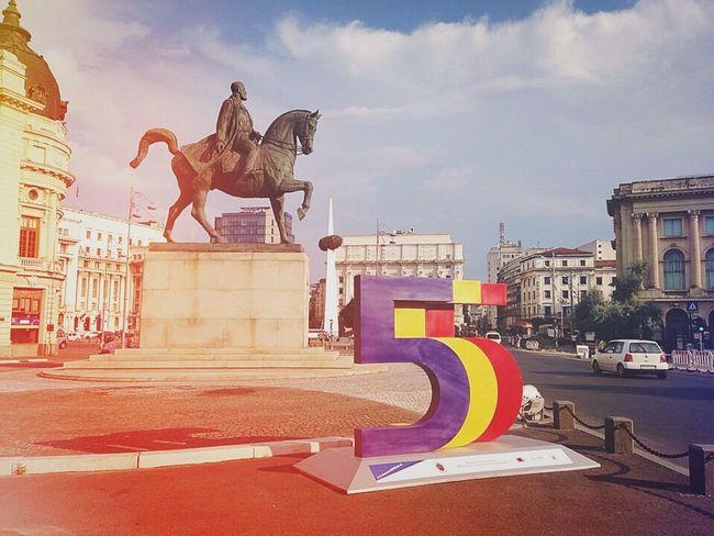 Bucharest Romania 🇷🇴 Bucharest Bucharest, Romania City Capital Romania Statue Love EyeEm Best Shots Architecture Sculpture Tourism EyeEm Gallery EyeEmNewHere EyeEmNewHere