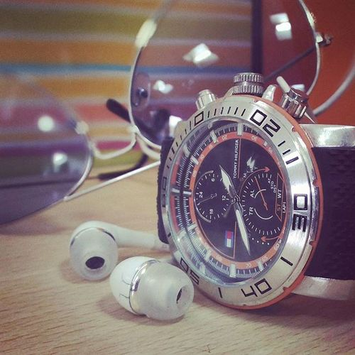 TP 😁 Me Accessories Watch ⌚Headphones 🎧 Glairs 😎 TommyHilfiger 😋 Samsung Rayban Incomple Wuthout This Picofday Photooftheday 📱TodaysKicks Puneinstagrammers 🎊 Tagsforlikes Gujjugram Gujarati Me Tagsforlikes Likeforfollow Instagood Instapune 🎇 Pune followforfollow follow gujjuboy formals 👔