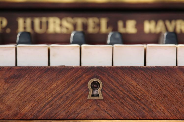 Piano perspective 2 EyEmNewHere Keylock Musical Instrument Music Wood - Material Brown Communication Close-up Piano Key Piano Musical Equipment
