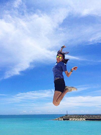 Okinawa Sea Jump Traveling