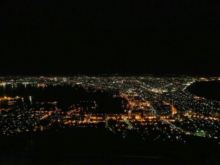 "The night view from Mt. Hakodate looks like a sparkling jewelry box..。This Nightview from Mt. Hakodate is one of the 3 most-celebrated night views, ranked along with Naples and Hong Kong as the ""3 best scenic night views in the world""..。 