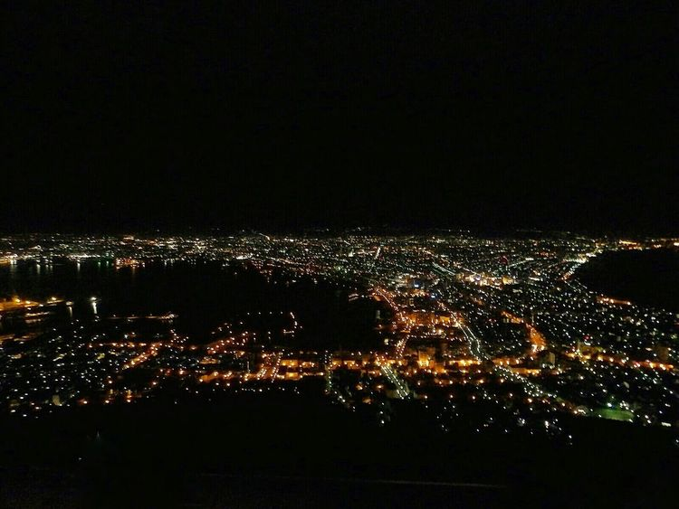 """The night view from Mt. Hakodate looks like a sparkling jewelry box..。This Nightview from Mt. Hakodate is one of the 3 most-celebrated night views, ranked along with Naples and Hong Kong as the """"3 best scenic night views in the world""""..。 