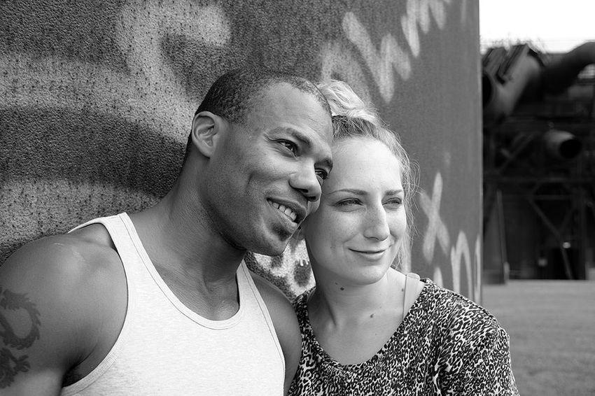 Blackandwhite Fujifilm X-E2 Portrait Inlove Shawn und Lina im Westpart Bochum