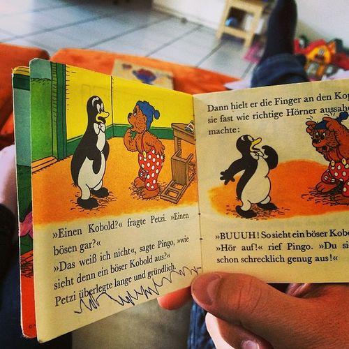 Märchenstunde mit der kleinsten #PapTag #Kinder #Märchen #lesen #petzi #pixi #bücher Lesen Märchen Kinder Bücher  Petzi Paptag Pixi