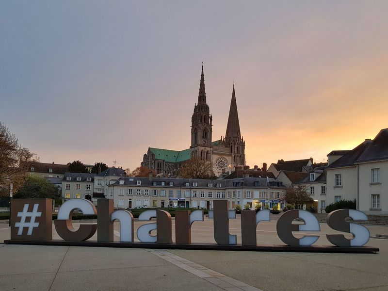 Early hours in Chartres. Towers Cathedral Towers Square Eure Et Loir Sunrise Morning Morning Light City Cityscape Town TOWNSCAPE Town Square Cathedral Chartres Chartres, France Chartres Cathedral Travel Tourism HASHTAG Architecture Architecture Religion No People Travel Destinations Outdoors